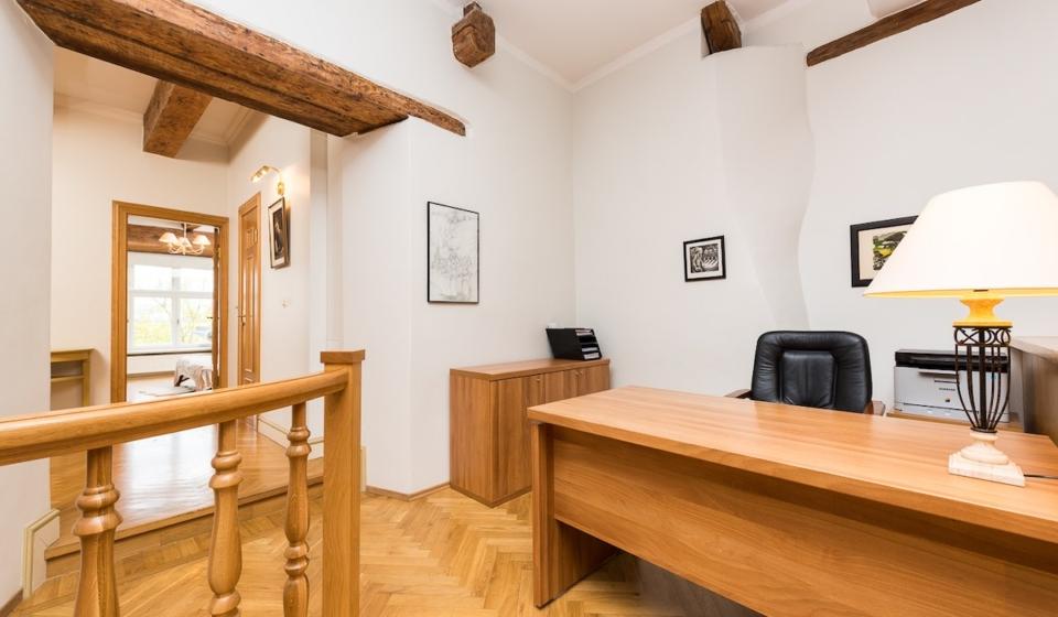 Müüa korter Tallinna Vanalinnas Pikk 30.